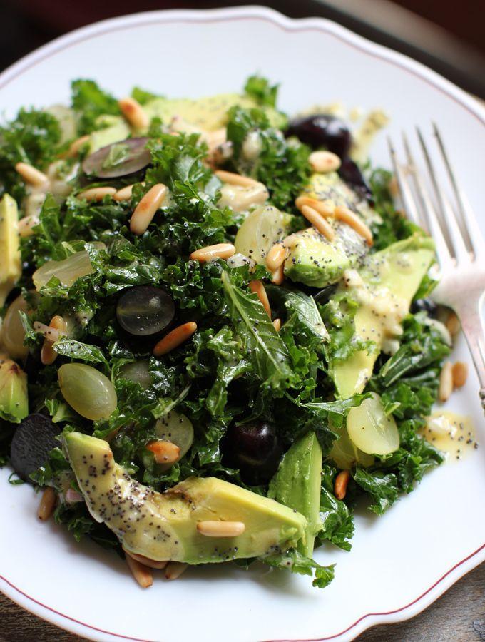 Ensalada verduras y uvas